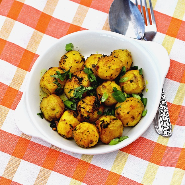 Roasted red potatoes with turmeric and thyme forumfinder Images