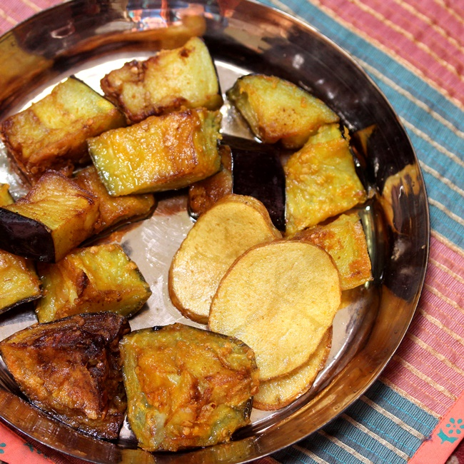 Begun bhaja bengali fried eggplants forumfinder Choice Image